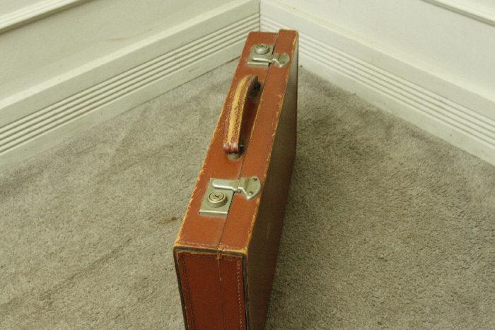 アンティークレザースーツケースsoz18m画像3右側