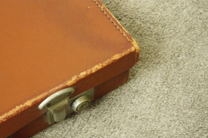 アンティークレザースーツケースsoz18m画像2左側